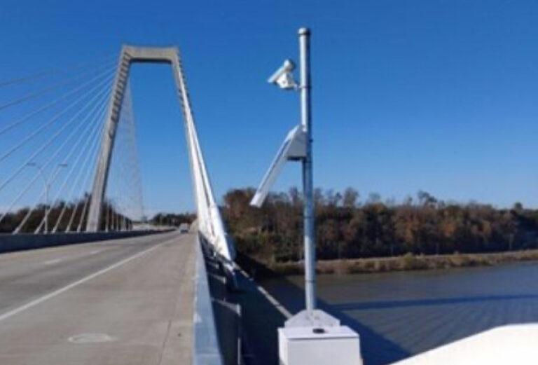 RWIS One on the Lewis and Clark Bridge